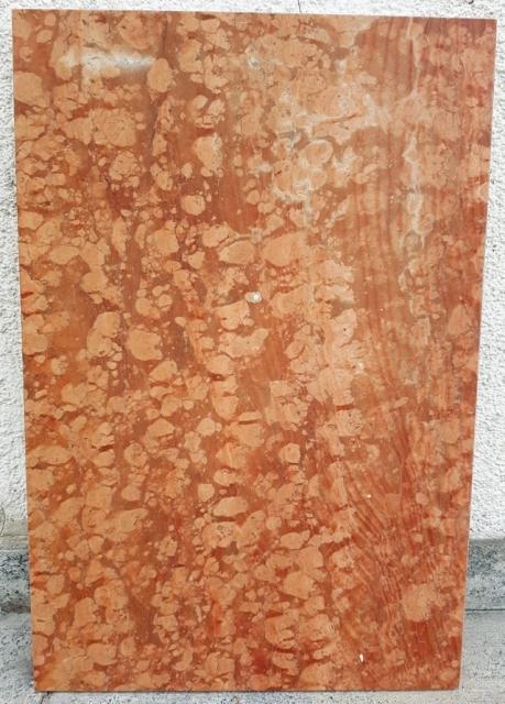 ROSSO ASIAGO 1^ scelta<br />marmette patinate e bisellate<br />Formato cm. 60x40x2<br />Quantità: mq.5,04<br />Prezzo: Euro 25,00/mq