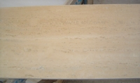 TRAVERTINO ROMANO CLASSICO 1^scelta<br />marmette stuccate, lucide e bisellate<br />Formato: cm. 61x30,5x1<br />Quantità: mq.115,00<br />Prezzo: Euro 38,00/mq